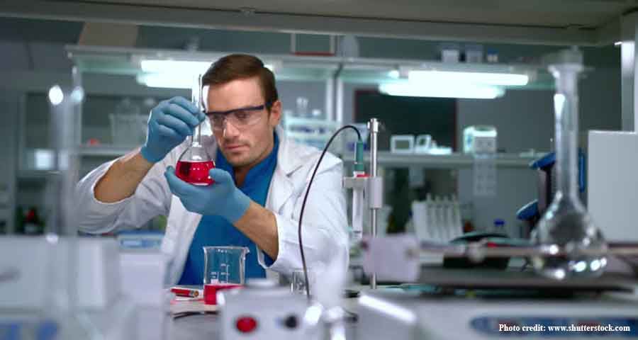 A scientist working in the laboratory